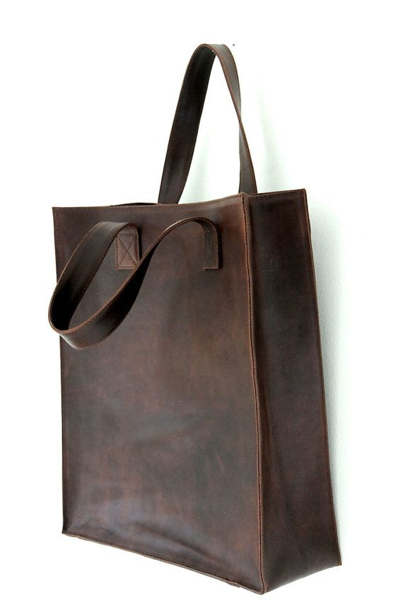 Minimo Leather Tote, by BaliELF (Etsy) - a simple, understated, go-anywhere tote that's not too big but will still fit all the essentials (custom colour and lining)