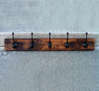 Reclaimed wood rack: Diy'S Idea, Hooks Racks, Coats Racks, Country House, Reclaimed Woods, Woods Racks, Crafts Idea, Shops Idea, Woods Hooks