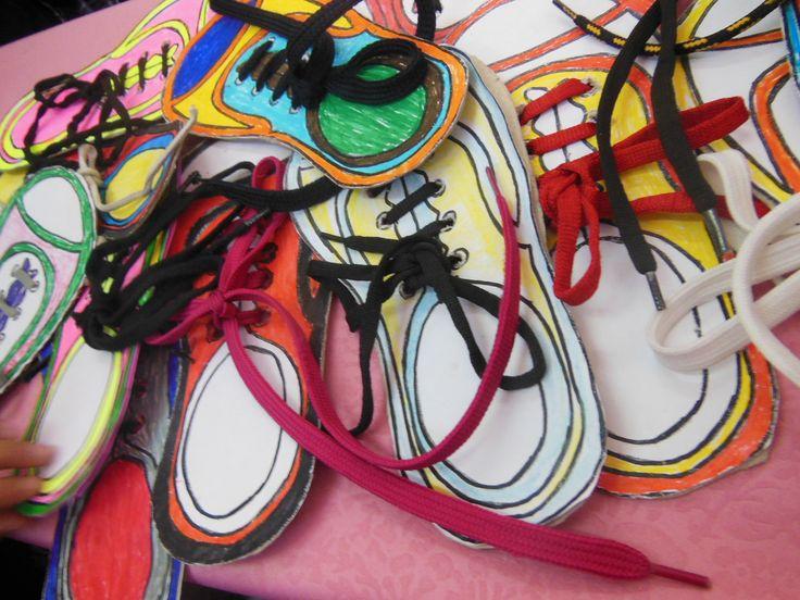 çocuklara ayakkabı bağcıklarını bağlamayı öğretmek için güzel bir yol