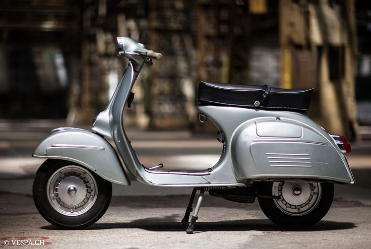 Vespa Sprint GT 125, 1969, im O-Lack, original condition, conservata. Over 70 more pictures here: https://ve8pa.ch/2015/06/08/vespa-sprint-125-gt-im-o-lack-mit-16542-km-jahrgang-1969-die-richtige-ein-stellung/
