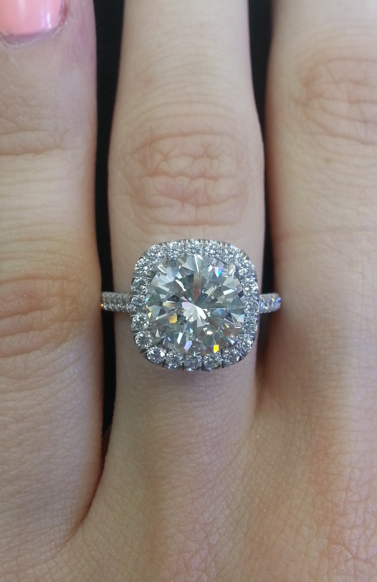 Repin If You'd Say Yes To Our Brand New 264 Ct Round Set In
