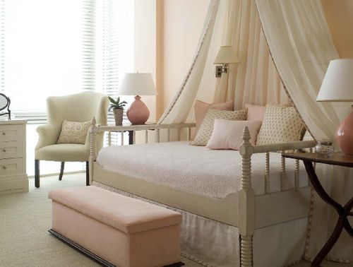 daybed... spare room