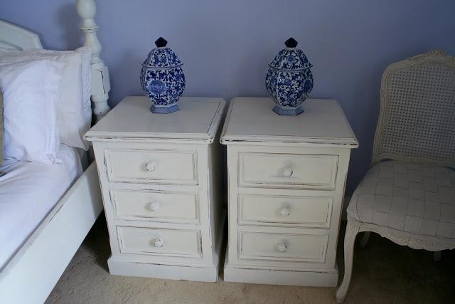 Lilyfield Life: Milk Paint Bedside Tables