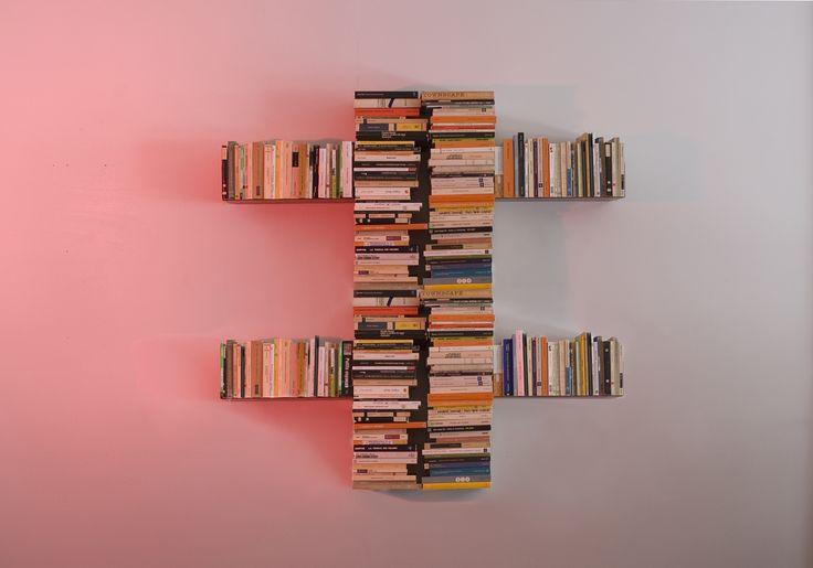 Composition de bibliothèque design spéciale TEEbooks #bookshelves #estantes #bucherregale #mensole