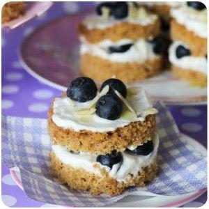 naked-cake-low-carb-amendoas-mirtilos