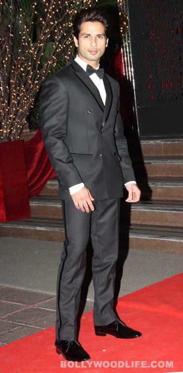Shahid Kapoor at Karan Johar's bash! Ah, that Kunal Rawal double breasted tuxedo looks amazing on him.