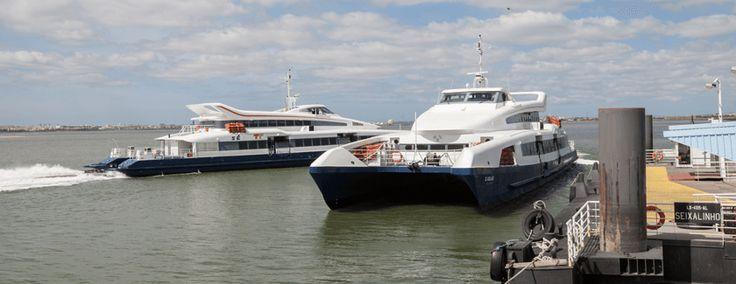 """Navio avariado deixou acumulação de passageiros em hora de ponta.Centenas de passageiros, atrasados por falta de barcos anteriores do Cais do Seixalinho para o Cais do Sodré, em Lisboa, """"invadiram…"""