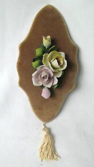 $20 VINTAGE Porcelain FLOWER WALL DECOR Velvet Abaco Furnishings 11cm Text 0411691171 or email info@bitspencer.com
