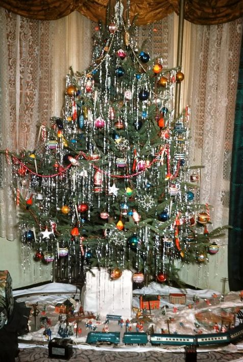 Vintage Christmas-1950s. Notice that the tinsel hangs straight down, as it should!                                                                                                                                                                                 More