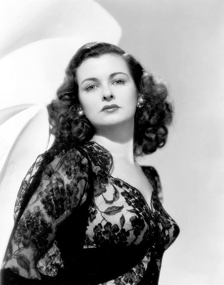 Joan Bennett, 1946, queen of high class film noir (Scarlet Street, The Woman in the Window, The Woman on the Beach, Secret Beyond the Door