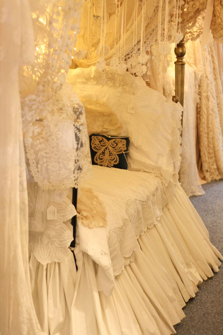 Lace Day Bed