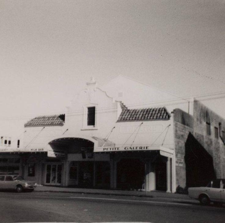 Monterey Cinema, Howick. / DU436.131 H86 env2 http://www.aucklandmuseum.com | Auckland Museum