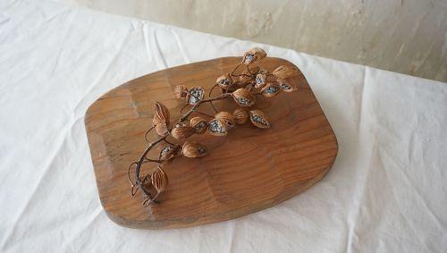 ドライフラワーが似合う古材風ペイントの木のトレイ | 木にアンティーク風ペイントの魔法をかけた手作りのフレーム店