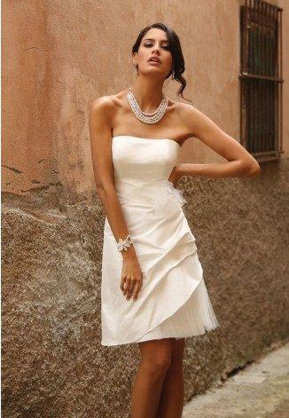 https://flic.kr/p/BDyjT4   Trouwjurken   Trouwjurken vintage, Moderne Trouwjurken, Korte trouwjurken, Avondjurken, Wedding Dress, Wedding Dresses   www.popo-shoes.nl
