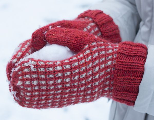 Hand knit mittens, Debbie Bliss Blue Faced Leicester DK