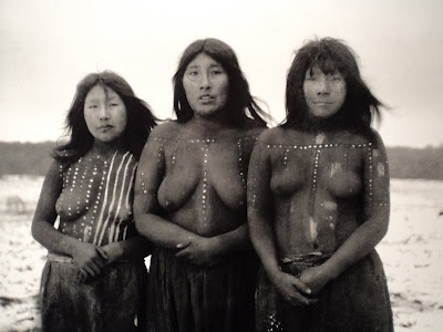 Selknam (Onas) of Tierra del fuego (extinct tribe). Women who participated in the Hain ceremony of 1923. In the center, Angela Loij, Elik left and Imshuta right. Photo Martin Gusinde.