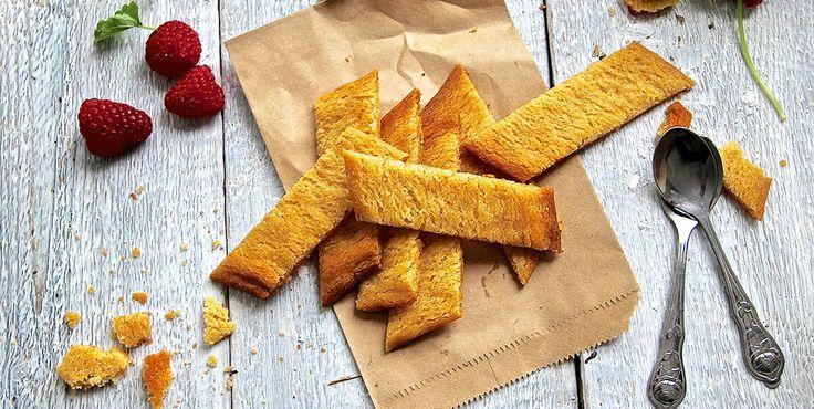 Lättbakade kolasmakande kakor som blir både sega och knapriga. Prova gärna att smaksätta smeten med en tesked malen kardemumma eller ingefära för variation.
