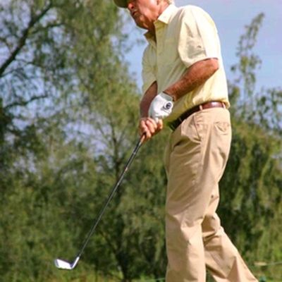 Photos of Arnold Palmer Enjoying Golf at Age 76: The King in Hawaii