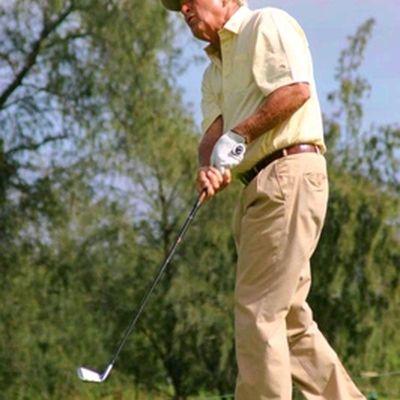 Photos of Arnold Palmer Enjoying Golf at Age 76: The King in Hawaii