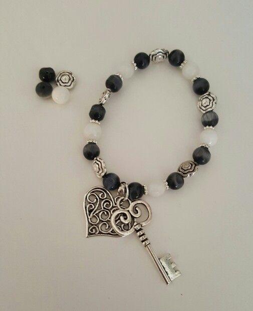 Bracelet whit heart and keys