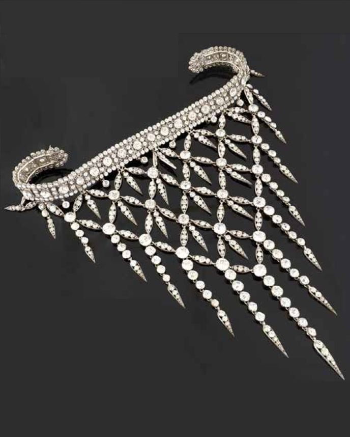 Devent de Corsage of Countess Greffulhe. Consisting of rhinestones mounted in metal elements forming a flexible fishnet. Late 19th to early 20th century.