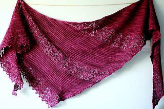 Nurmilintu | by Heidi Alander | free pattern | triangle shawl in garter and lace