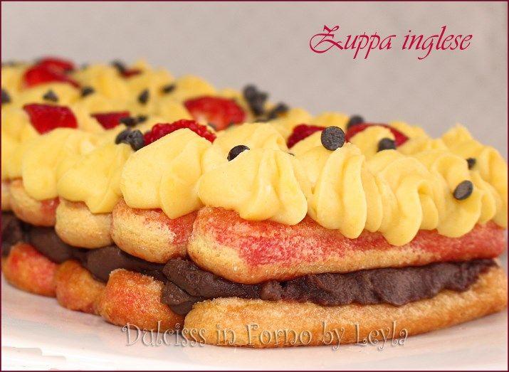 Zuppa inglese, dolce al cucchiaio delizioso, composto da strati di crema pasticcera alla vaniglia e al cioccolato con savoiardi imbevuti nell'Alchermes.