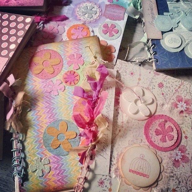 Libretas para sorpresas de Primera Comunión. Diseños Marta Correa Blog: disenosmartacorrea.blogspot.com Cel: 321 643 63 84