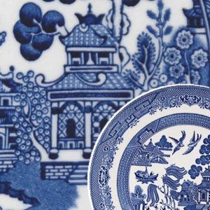Blue Willow China,the story is my favorite.So glad I finally found and bought the dish set at the thrift shop.Maybe it'll be worth something years from now