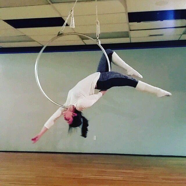 Love this trick!Reverse man in the moon to fish #hoop #hoopdance #hoopdancer #hoopdancing #hoopnation #hoopgirl #hooplover #hooper #hooplove #hooptrick #hooptricks #aerialhoop #aerialnation #aerial #aerialist #lyra #aerialtrick #aerialgirl #aeriallyra #acro #acrobat #acrobatics #circus #circustraining #flying #flexible #beastlybuilt #fit #fitchick #lifesbetterupsidedown