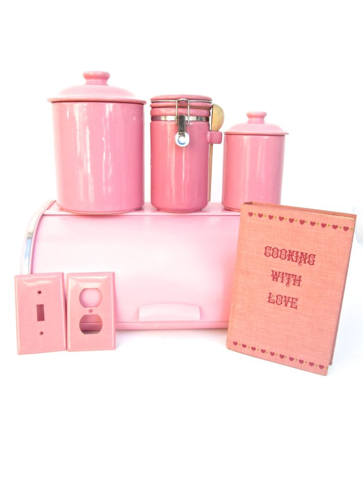 vintage pink kitchen accessories best 25 retro pink kitchens ideas on pink 6856