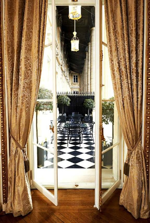 The Crillion  lovely  Hôtel Crillon - Paris