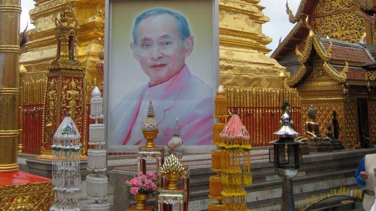 Wer den König von Thailand auf Facebook beleidigt, muss mit Gefängnis rechnen | © CC 2.0 James Trosh via Flickr