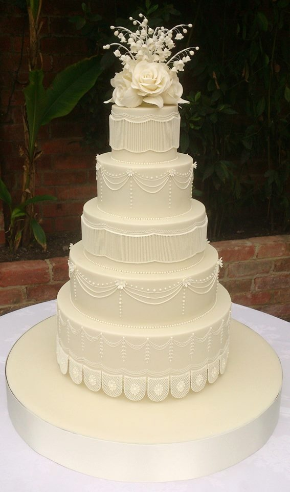 beautiful white wedding cakes 1255 best images about wedding cakes and toppers on 11240