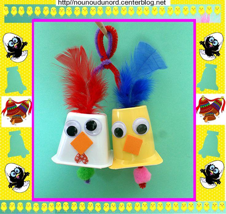 Clôches de Pâques  Poule et poussin avec des pots de yaourts http://nounoudunord.centerblog.net/4368-cloches-de-paques-poule-poussin-realises-avec-des-yaourts