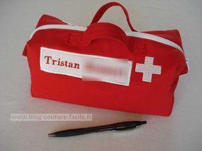 Trousse de secours personnalisee #trousse #secours #couture