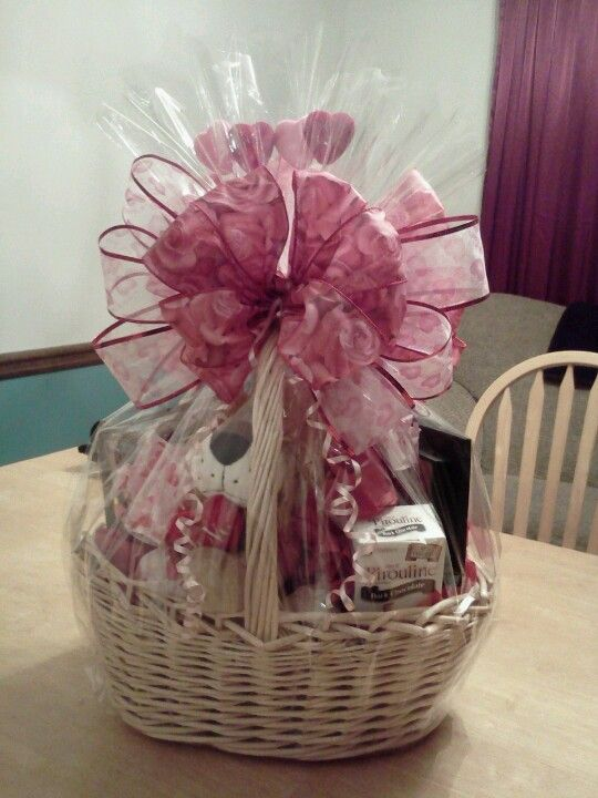 Valentine's Day Gift Basket #tutorial #diy