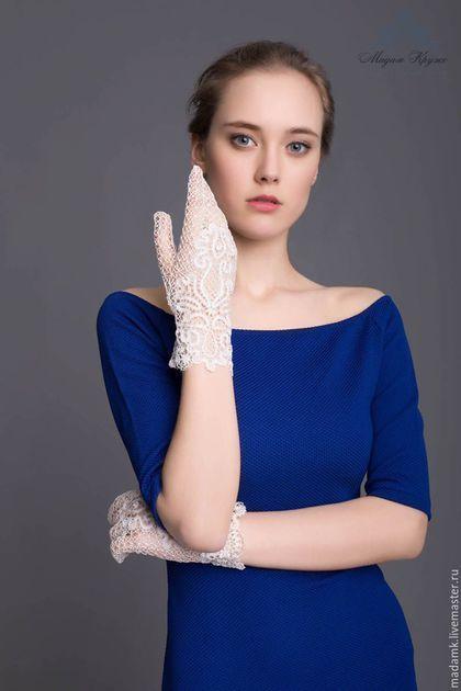 Варежки, митенки, перчатки ручной работы. Заказать Кружевные перчатки «Цветок любви» Вологодское коклюшечное кружево. Мадам Круже. Ярмарка Мастеров.