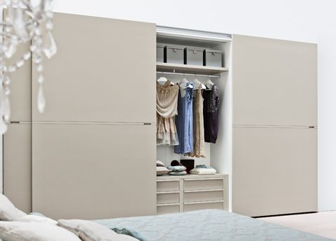 Middle Sliding Door Wardrobe