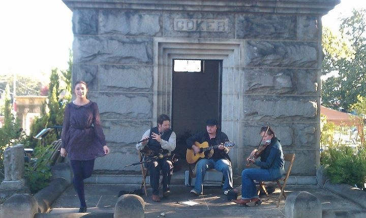 2011 Sunday in the Park: Cemetery Events, Oakland Cemetery