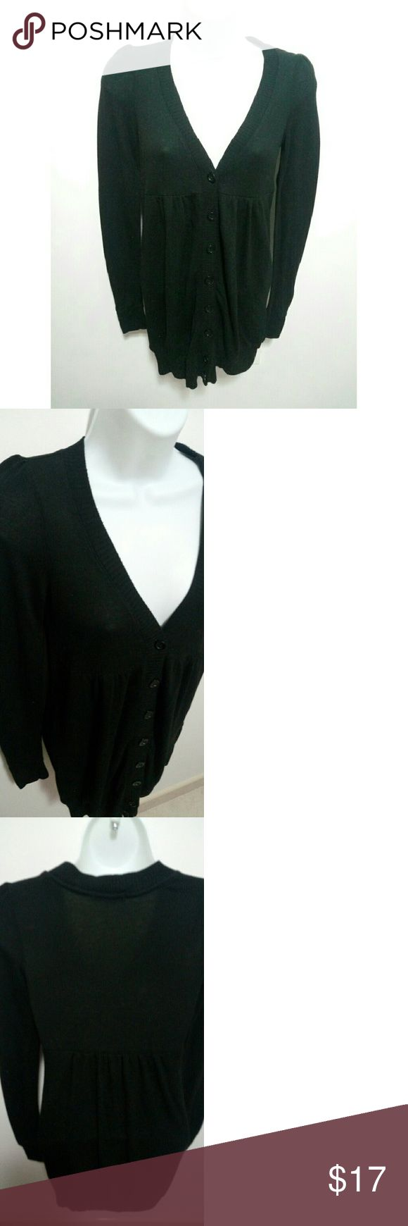 Forever 21 long black cardigan sweater Forever 21 long black cardigan. Thin slouchy sweater. V-neck. Size S/P. Long, perfect when paired with leggings.   In perfect condition. Never used.   #pakainin #likenew #neverused Forever 21 Sweaters Cardigans