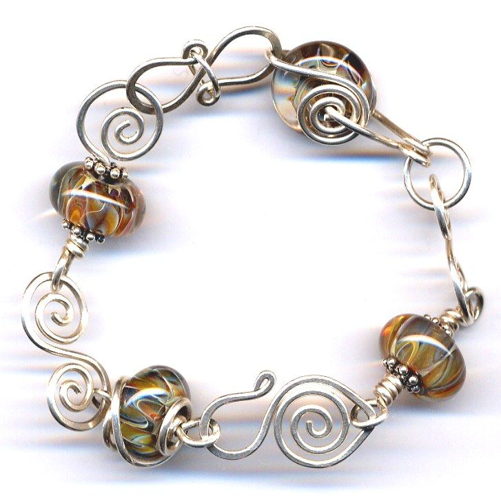 Nice handmade spirals with beautiful blown glass beads: Open Spirals, Glasses Beads, Beautiful Jewelry, Spirals Wire, Wirework, Jewelrylessons Com, Alambrismo, Fun Crafts Jewelry, Handmade Spirals