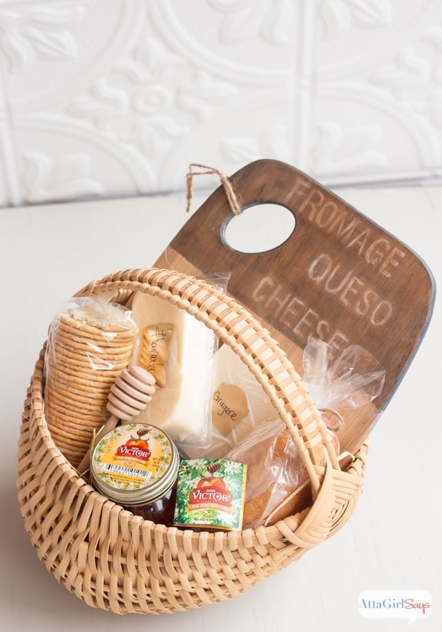 Easy DIY Holiday Hostess Gifts: Honey and Cheese Gift Basket with Antiqued Bamboo Cutting Board and 100% Pure Orange Blossom Honey with Comb. Tutorial via @ajastro Honey For The Holidays AD