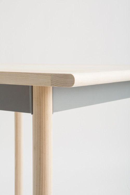 Salt Flats is a minimalist design created by New York-based designer Vonnegut Kraft. Reworking the design from a previous table Salt Flats D...