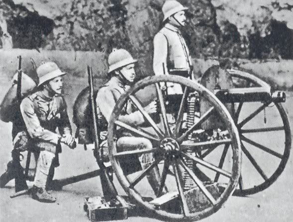 Portuguese soldiers in Africa during World War I wearing the newly introduced khaki 1900 pattern uniform