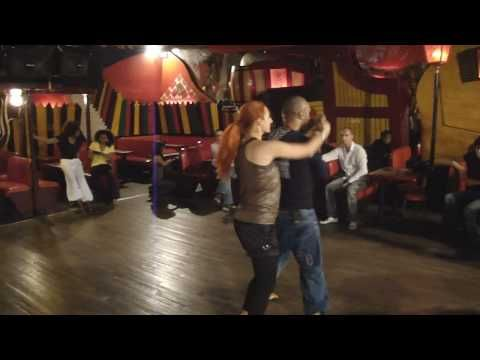 Cours de Salsa Porto - Inter 1 - Estelle et Francis Andriana - YouTube