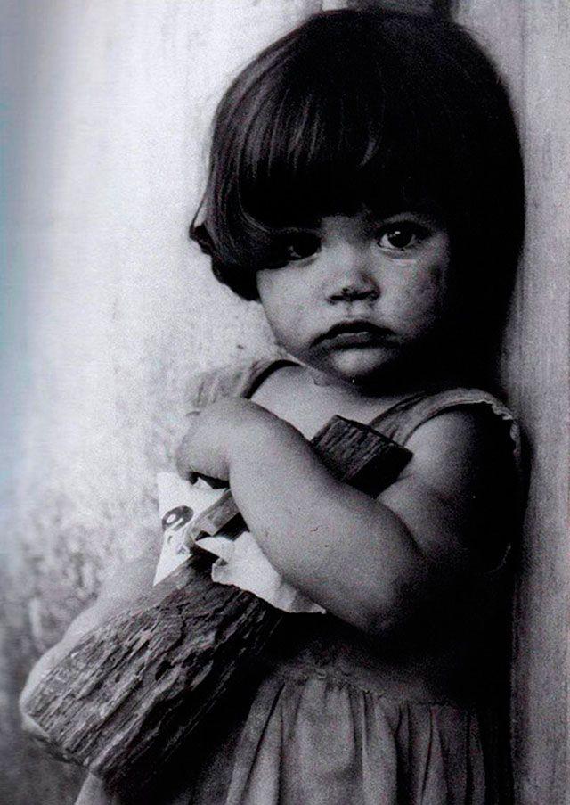 La niña con muñeca de Palo - Alberto D. Korda 1959.