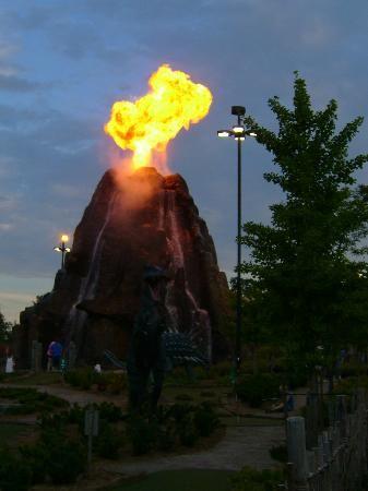 Photos of Clifton Hill, Niagara Falls - Attraction Images - TripAdvisor