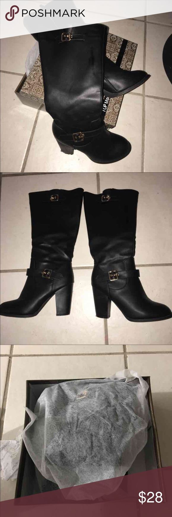 Boots like new used only 2 days I bought this 36$ plus tax this is like new i use it when the snow comes but my foots hurts cause of the hills ! Lol just want back my money cause i dont wnna use it anymore Shoes Ankle Boots & Booties