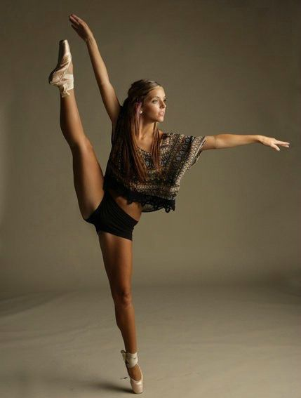 Can never have too many dancing photos, so beautiful :)